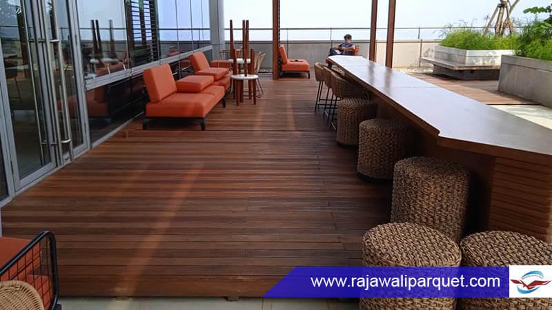 lantai kayu outdoor untuk Jakarta