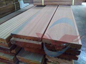 harga lantai kayu Decking bengkirai