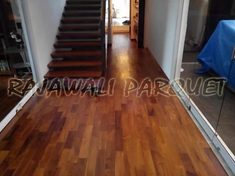 pemasangan lantai kayu parket Jati