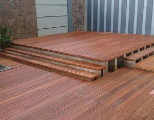 yogyakarta pemasangan lantai kayu outdoor