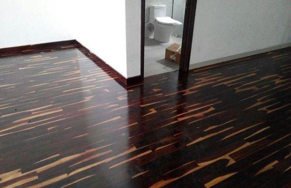 pemasangan lantai kayu sonokeling rumah