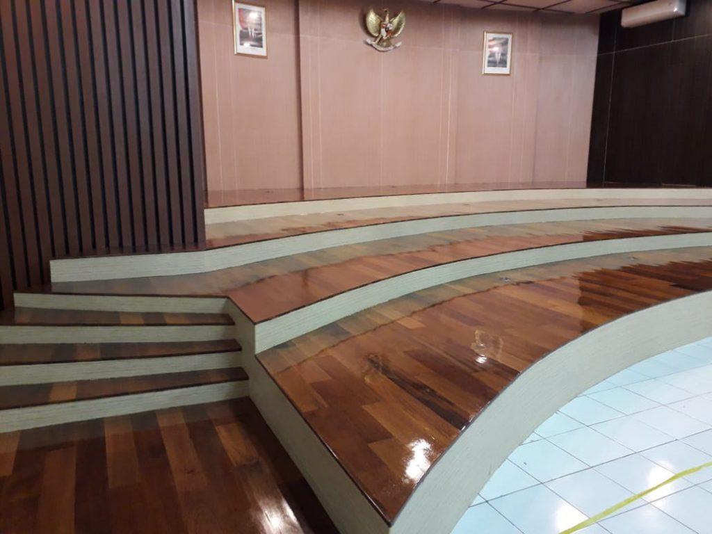 Lantai kayu Direktorat Ajudan Bandung