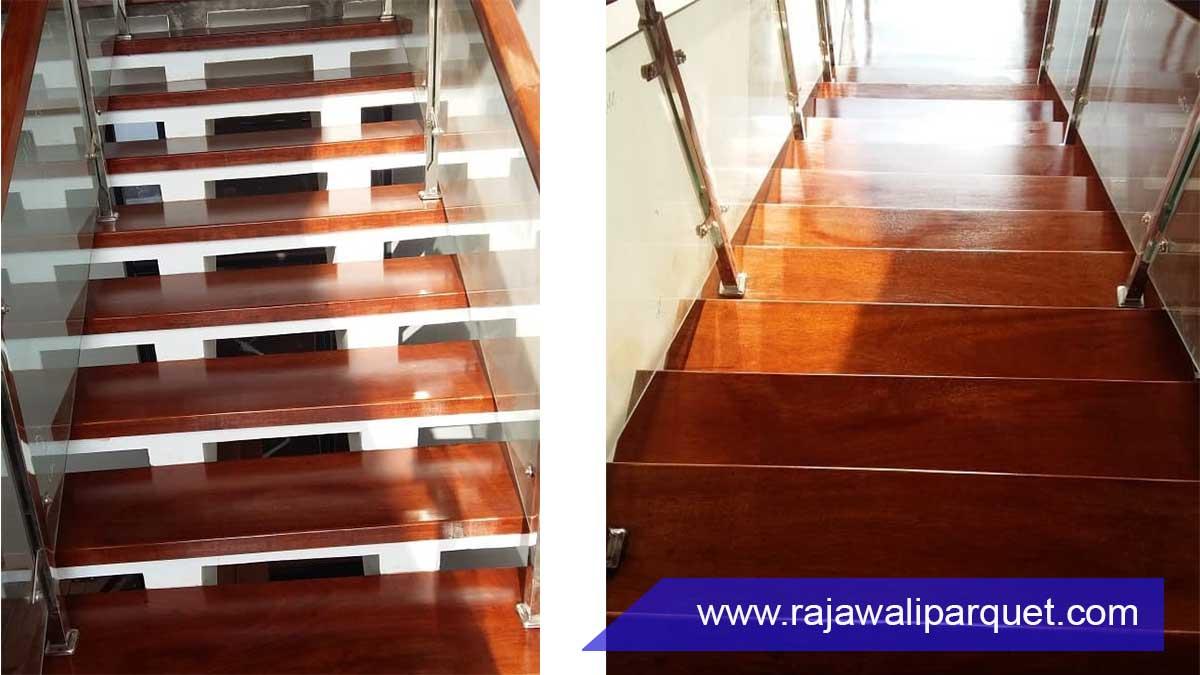 desain papan tangga kayu untuk tangga rumah Merbau